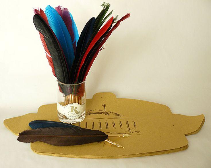 Rubinato toll papírtartóban