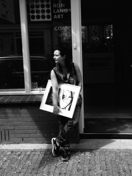 Help! Het leven van een jonge galeriehoudster 2 dagen voor @amstartfair. Lees #SaraLang's blog http://www.ronlangart.com/blog/index.html