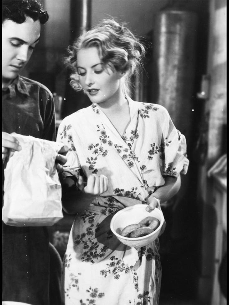 "Barbara Stanwyck in ""Stella Dallas"".  I.  Love. Her. Hair."