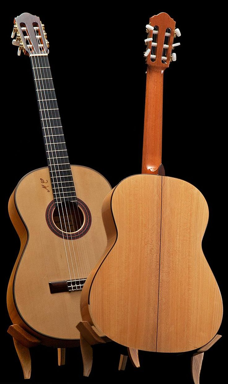 Mariano Conde has just finished this new Conde EF 5 blanca projecting a tremendous loud volume, quick attack, an enchanting bright sound and is easy to play due a very low string action. A tremendous value for any serious flamenco guitarist: More info: https://www.lasonanta.eu/en/guitarras-flamencas/flamenco-guitar-conde-hermanos-ef5-2015.html