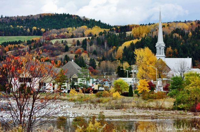 Baie au Saguenay, en automne.