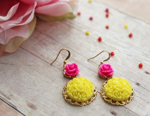 Happy Spring Earrings Shabby Chic and Vintage by rosesandlemons, $18.99