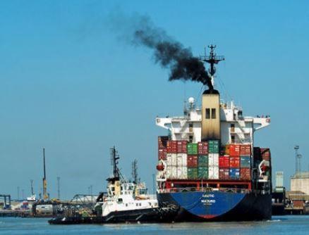 Quince grandes barcos mercantes liberan más óxidos de nitrógeno y óxidos de azufre que todos los automóviles del mundo.
