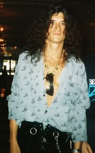 joe perry, you don't have to pose this sexy...