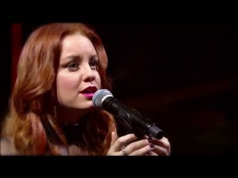 """She Sings """"Hallelujah"""" But In A Breathtaking Way That Sets Everyone's Spine Tingling"""