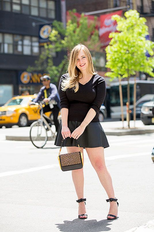 Women With Larger Busts Swear By These Exact Outfits -5742