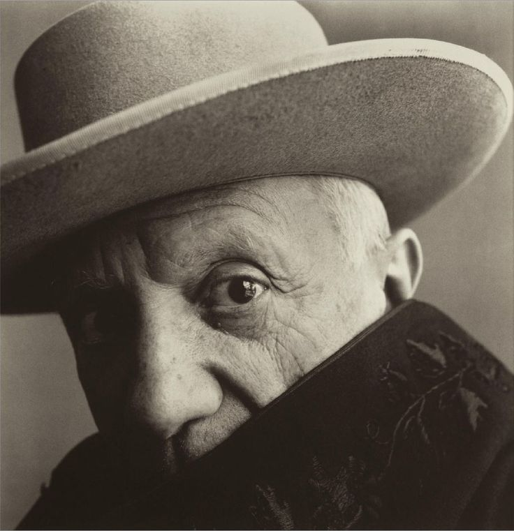 portrait de Pablo Picasso by Robert Mapplethorpe                                                                                                                                                     More