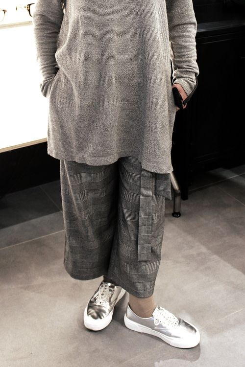 HEAD-TO-TOE GREY LOOK WITH SILVER TRAINERS #culottes #grey #outfit #fashion #trend #silver #trainers