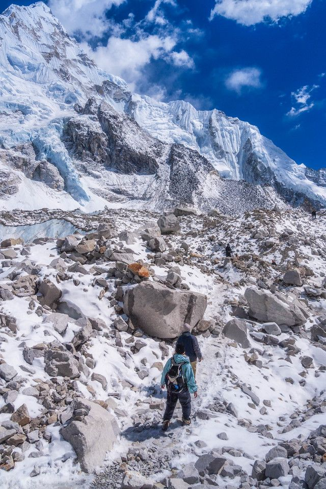 Hiking to Mount Everest Base Camp, Nepal | The Planet D >>  http://theplanetd.com/everest-base-camp-trek-photos/
