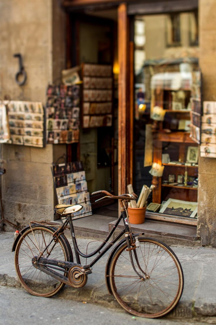 #BikeLove. Shop in Florence, Italy