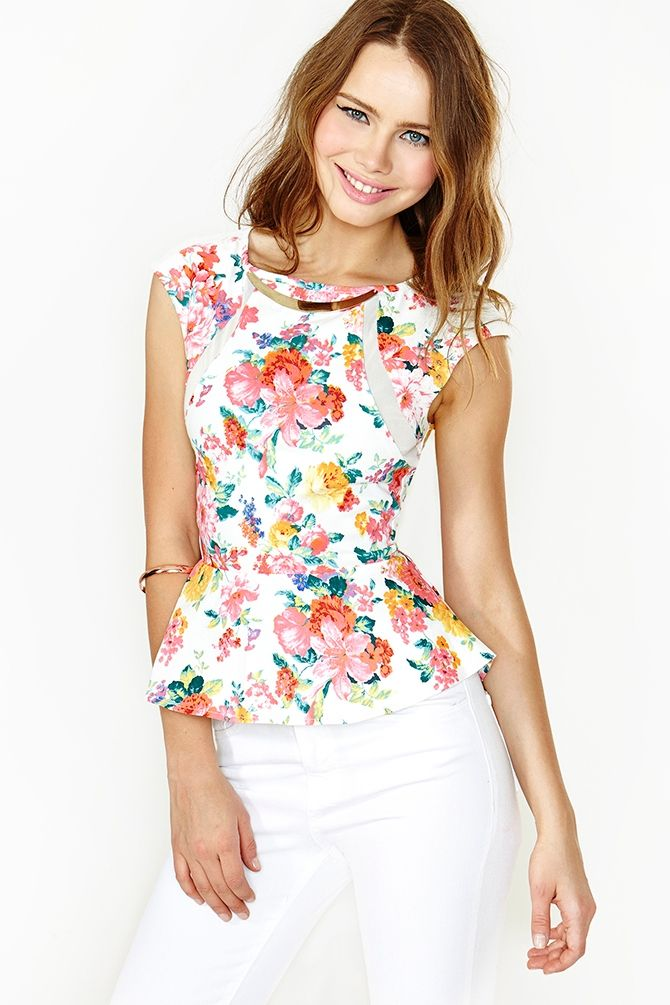 Love this floral top with white jeans