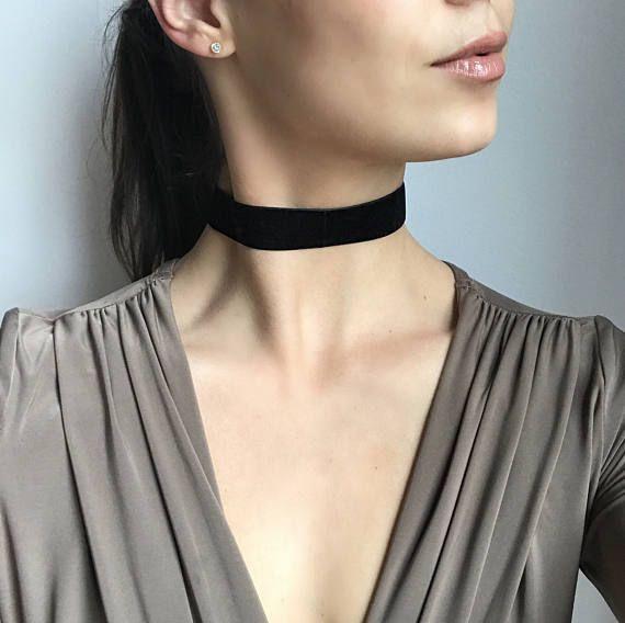 Basic Large Black Velvet Choker Necklace / Black Velvet