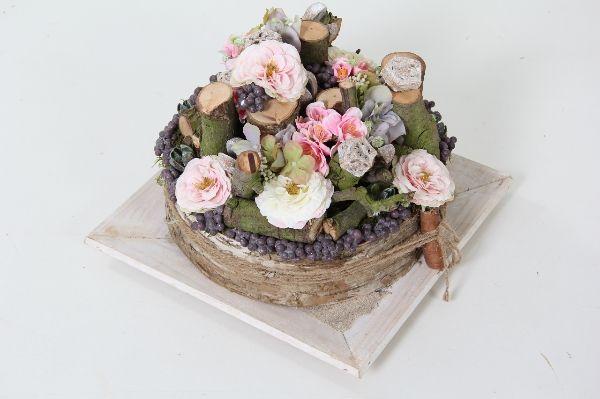 Bloementaart met decoratietakken en kunstbloemen, makkelijk in onderhoud. Staat leuk op tafel voor binnen en buiten overdekt tuinterras. Verkrijgbaar op www.decoratietakken.nl