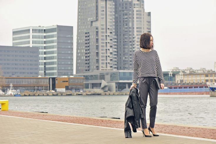 szare-eleganckie-spodnie-medicine #street #style #street #fashion #street #style #street #fashion #dotted #blackhighheels #greypants #dottedblouse #blouse #dots #elegant #outfit