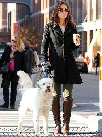 Olivia Wilde take Paco for a stroll   | celebs | | pets |  #celebswithdogs #celebswholovedogs   https://biopop.com/