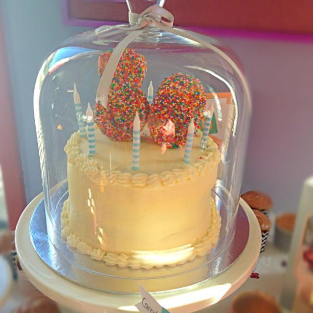 Vanilla cake with creme patisserie, raspberries and vanilla buttercream. - 13件のもぐもぐ - 80th birthday cake by kipper's kitchen