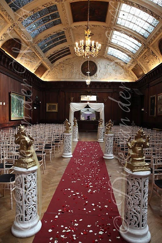THORNTON MANOR IN CHESHIRE DRESSED FOR RITU AND VENS INDIAN SRI LANKAN WEDDING
