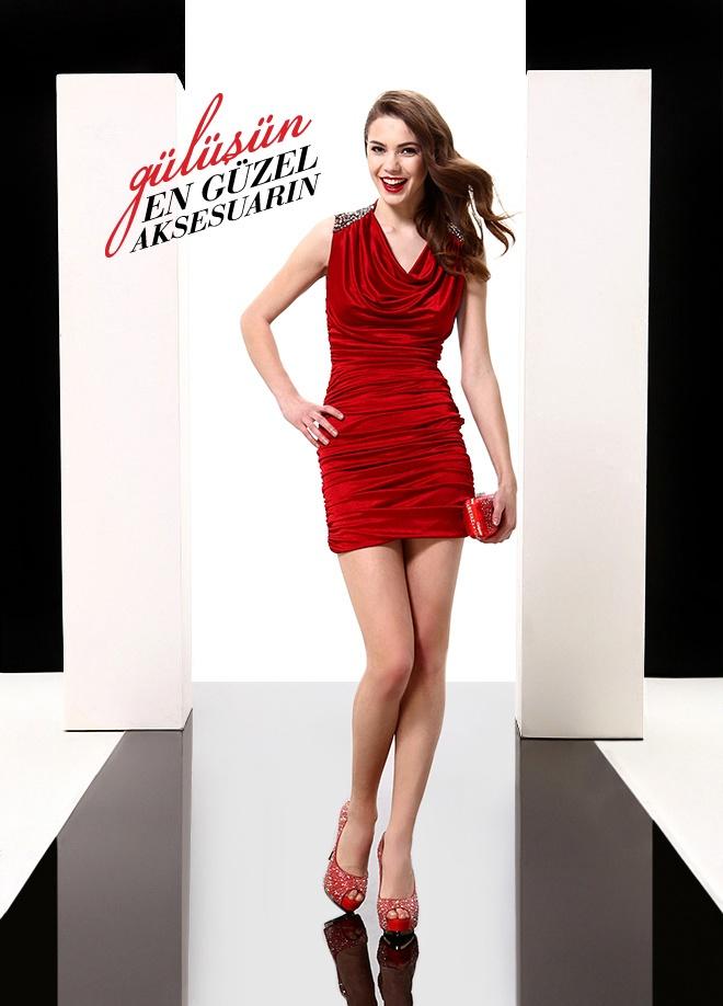 ELFE Elbise Markafoni'de 219,50 TL yerine 109,99 TL! Satın almak için: http://www.markafoni.com/product/3616471/