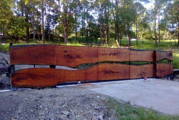 Horizontal Privacy Fence Designs   timber fencing