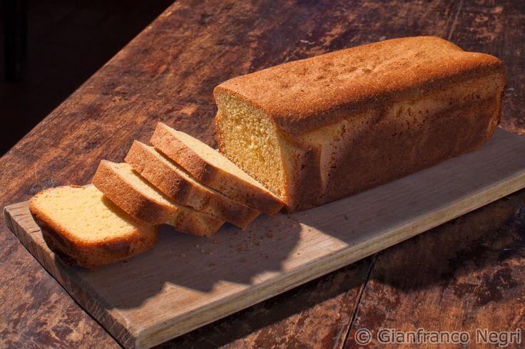 PAN SOFFICE DI QUINOA: ideale per fare fette biscottate per la colazione mattutina. Sono gustose e fragranti, la ricetta la trovi qui: http://dietagrupposanguigno.it/libri/libro-le-ricette-del-dottor-mozzi-volume-2/ - Foto di Gianfranco Negri