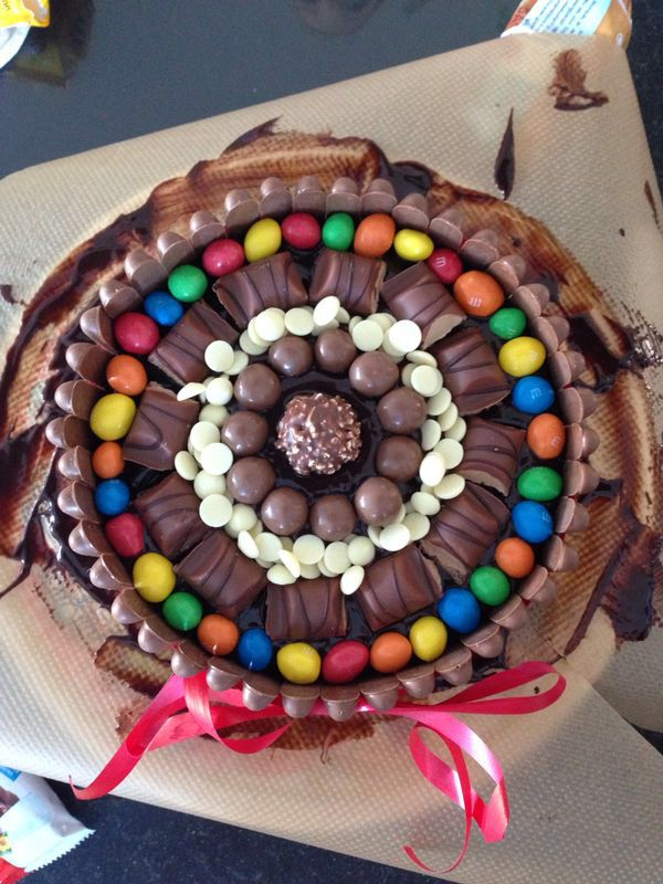 M&M, kinder bueno, white chocolate chips, maltesers and a ...
