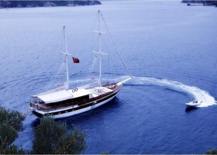 Sude Deniz Gulet Charter, 7 cabins, 12 berths. Available for charter in Croatia, Greece, Turkey etc.