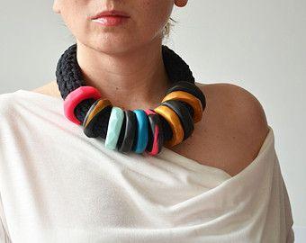 Ropa africana, collar tribal, joyería funky, moderno collar, collar de moda, joyería OOAK, moda urbana, collar negro, cuello oversize