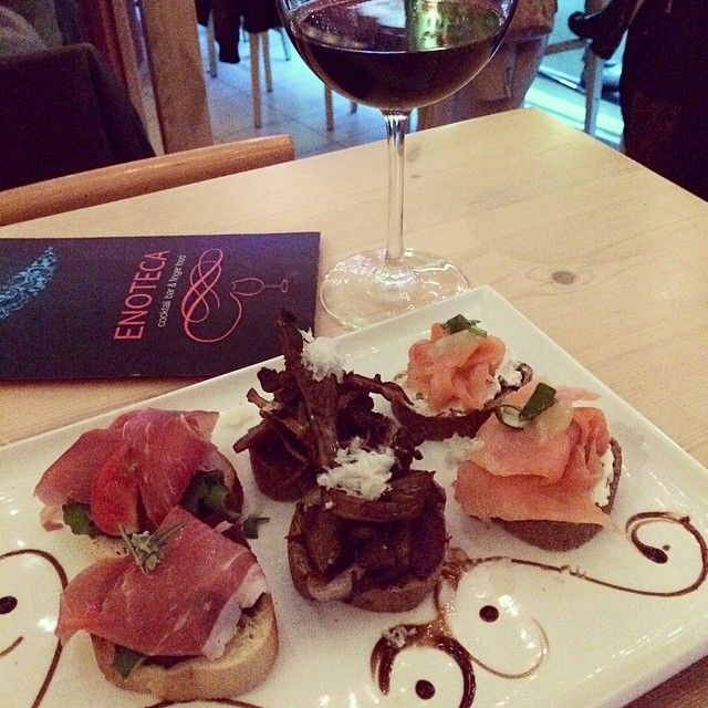 Enjoy our fine #bruschetta with a glass of #wine #enotecabar
