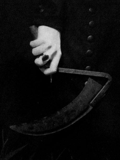 """Some people call it a slingblade. I call it a kaiser blade. Shaped kinda like a bernanner, mm-hmm."" -Carl"