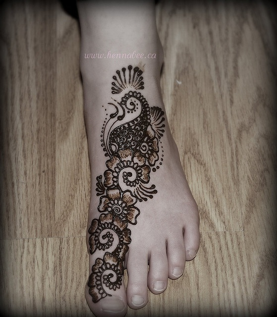 Mehndi On Baby Feet : Best images about henna on pinterest bridal