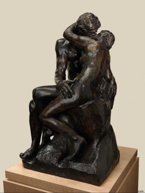 Πρωτότυπη μικρογραφία του «Φιλιού» του Ροντέν πωλήθηκε για 2,2 εκατ. ευρώ θέτοντας νέο ρεκόρ