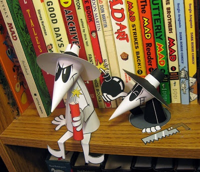 Spy vs. Spy brinquedos de papel através de Super Punch: Paixão Papercraft, Illustrationart material, Matte Hawkins, fãs da arte, Matthew Hawkins, Papel Crafttoy, ofícios de papel, brinquedos de papel, Spy Papertoy