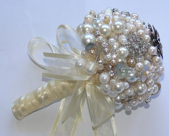 Pearl beaded bouquet@Brianna Marie