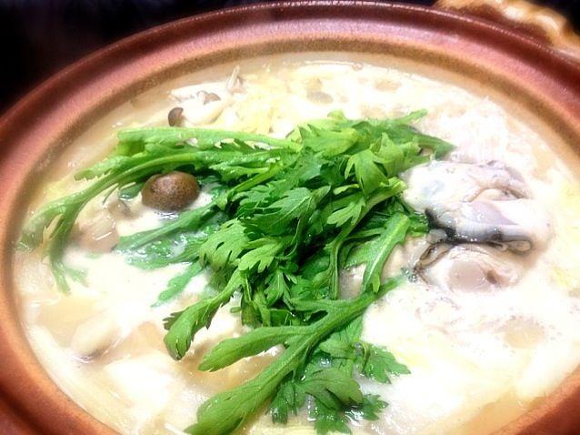 お隣さんから牡蠣をもらったので、牡蠣鍋にしました(^^) - 16件のもぐもぐ - 牡蠣鍋味噌仕立て by yuinori