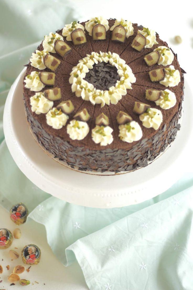 Köstliche Mozarttorte Mit Schokolade Nougat Pistaziensahne Und