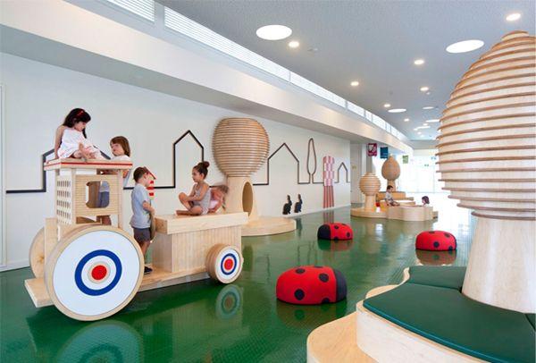 Роскошный интерьер игровой комнаты для малышей