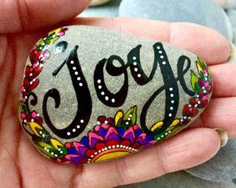 ma danse joyeuse / peint roches / peint pierres par LoveFromCapeCod