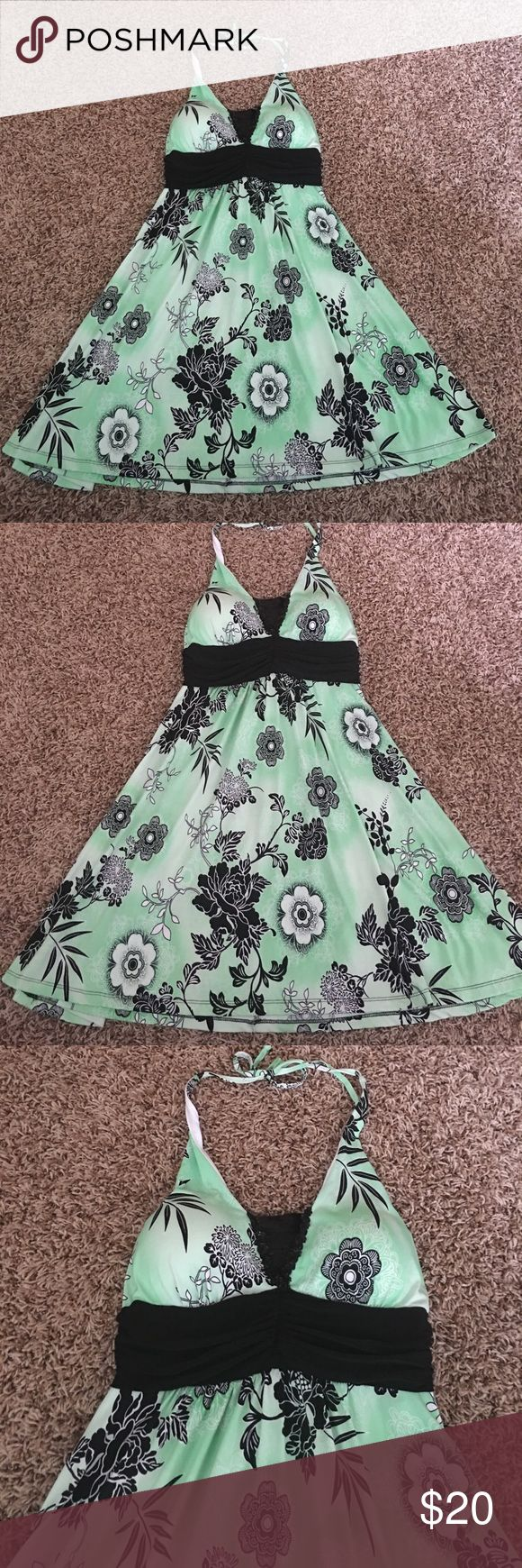 DONUTZ INC DRESS In excellent condition. Looks brand new. 92% polyester 8% spandex. donutz inc Dresses