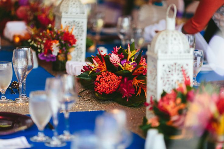 Tropical centerpieces / Moroccan lanterns. PixiesetHighlights-kamacatchme-fijiweddingphotography-263.jpg