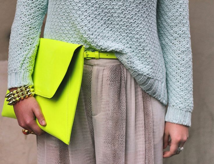 Mixing spring trends neon & pastels