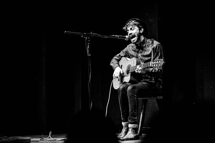 Simone Addis | Alessio Bondì live Firenze al Teatro del Sale [foto concerto] http://addisphotography.it/alessio-bondi-live-firenze-teatro-del-sale/
