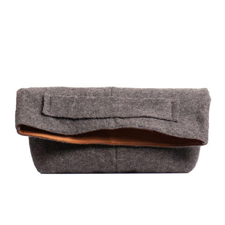 Wool clutch