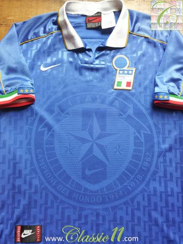 Relive Italy's 1995/1996 international season with this vintage Nike home football shirt.
