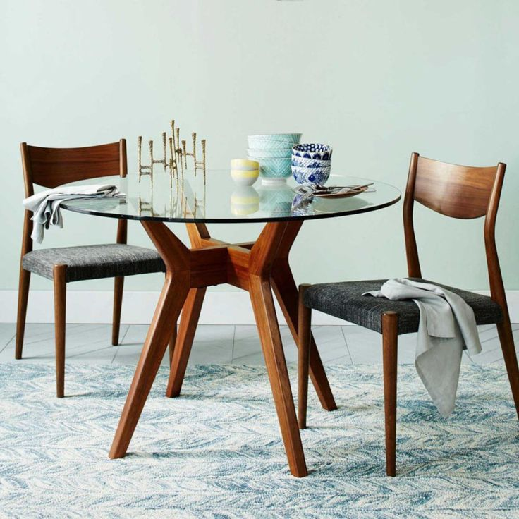 15 Round Glass Dining Room Tables That Add Sophistication To Mealtime