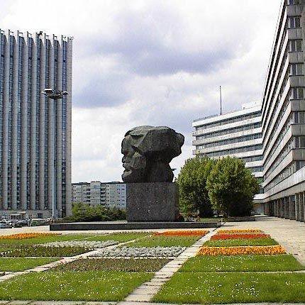 Karl-Marx-Monument und Straße der Nationen in Chemnitz - chemnitztour.de