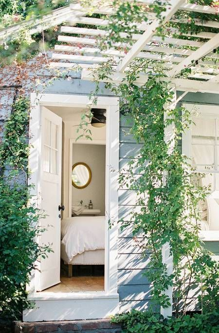 Dream Airbnb: This studio cottage in Santa Barbara, California
