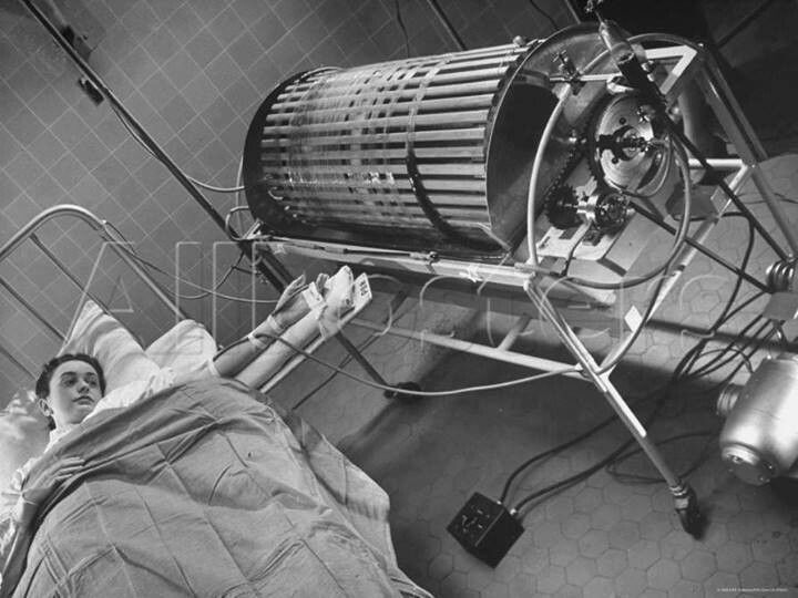 First dialysis device.(1970)