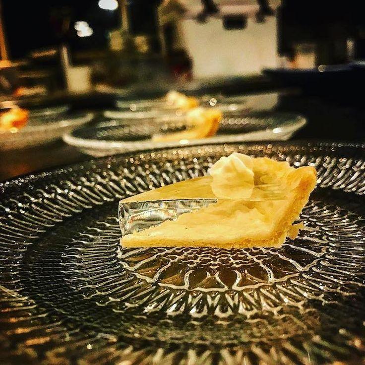Un chef non conventionnel réinvente le dessert en cuisinant une tarte à la citrouille… transparente