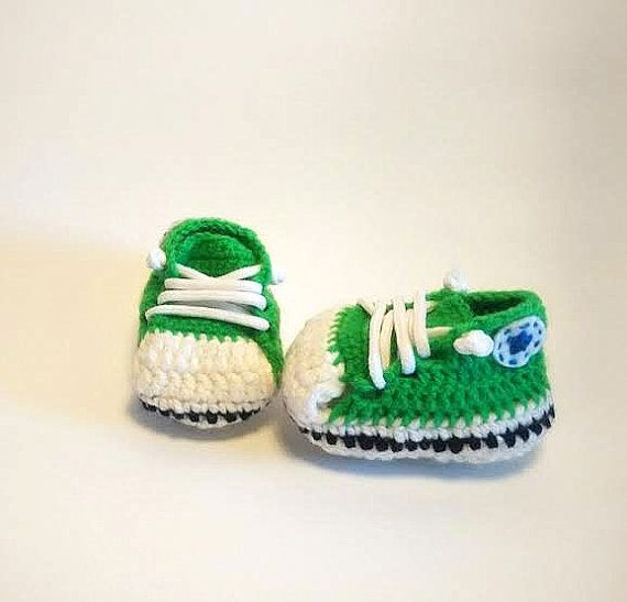 Crochet babyshoes / Converse green baby shoes / by MissGis on Etsy