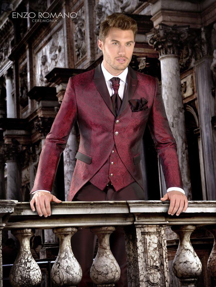 Diseño, confección y venta de moda para caballero. Especialista en colecciones de moda nupcial masculina, trajes de ceremonia para novios.